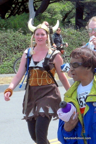 Bay_to_breakers_5-15-2009_9-14-11_am