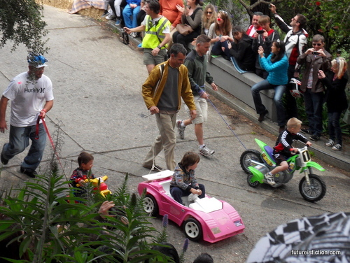 San_francisco_big_wheels_race_easter_2012_640x481