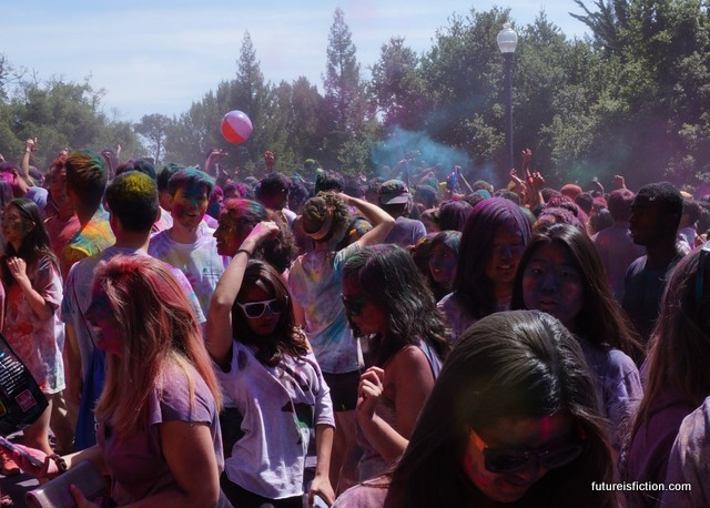 crowd dancing at UC Berkley Holi festival