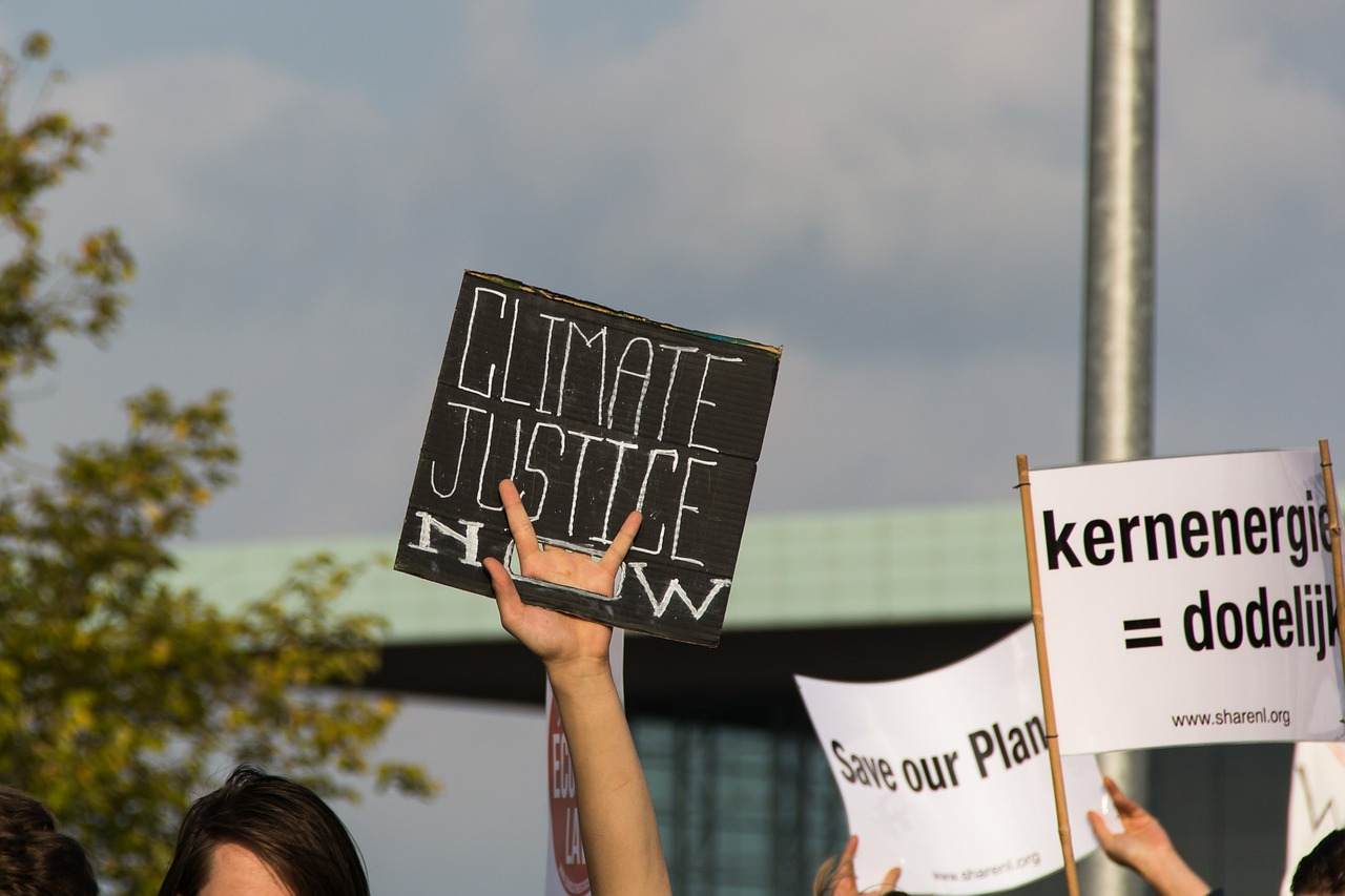 climate-just-now-sign-niekverlaan